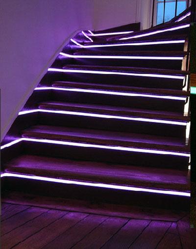 Design électroluminescent en résidence pour un escalier d'intérieur