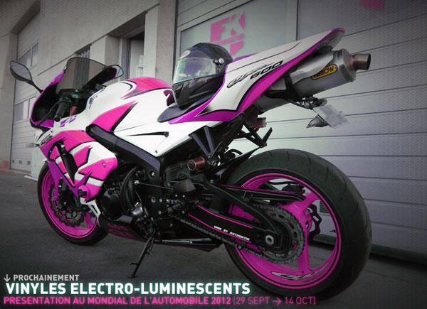 Moto et vinyles électroluminescents