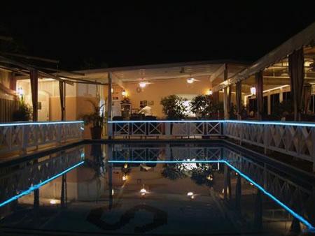Lumière déco pool-house pour barrière de sécurité