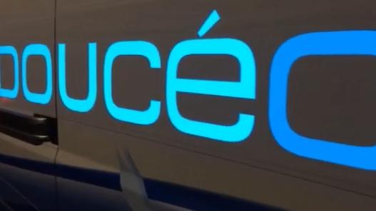 Sponsor électroluminescent sur mesure